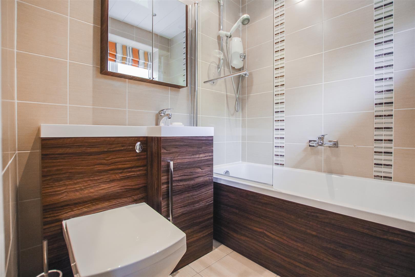 6 Bedroom Detached House For Sale - Bedroom Four En-suite